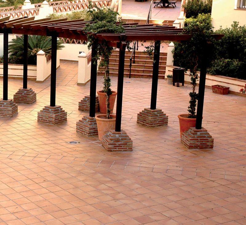 Carrelage sol, salle de bain, cuisine et terrasse Terrasse ...