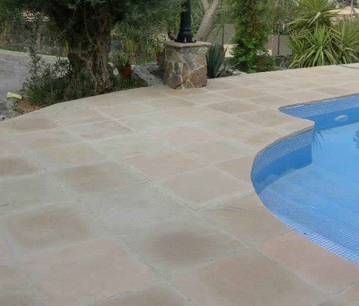 Carrelages mosa ques et galets terrasse carrelage et for Carrelage exterieur 60x60