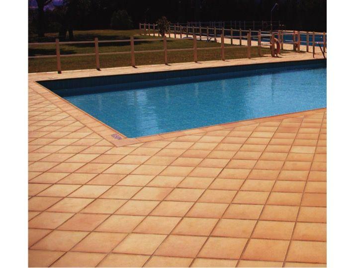 Carrelage sol et mur terrasse nez marche couvre mur for Carrelage 25x25